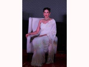 Gauahar Khan S White Saree Look At An Event In New Delhi