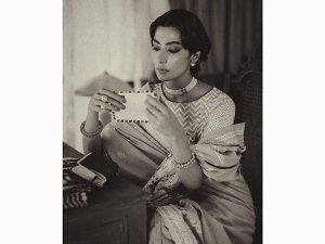 Zindagi Tamasha Actress Eman Suleman Leaves Us Awestruck With Her Parsi Vintage Look On Instagram