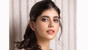 Sanjana Sanghi Nails The Two Toned Eye Makeup Trend With Soothing Pastel Colours Step By Step Guide