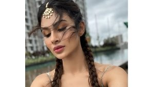 Mouni Roy S French Braid And Glam Makeup Look In Latest Pictures On Instagram