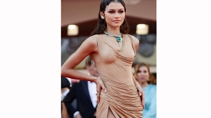 Dune Star Zendaya S Fashion And Her Outing With Timoth E Chalamet At Venice International Film Festi