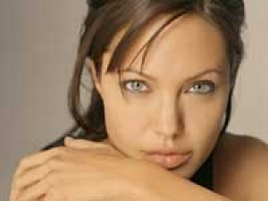 Angelina Jolie Psa World Rufugee Day