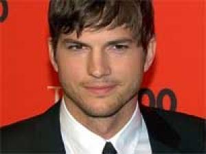 Ashton Kutcher Womeniser