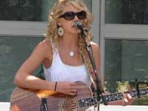 Taylor Swift Elle Sales Dropped