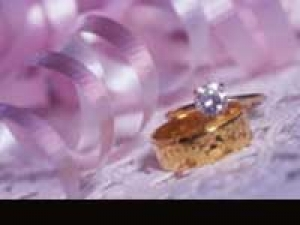 Celebrity Engagement Ring 140311 Aid