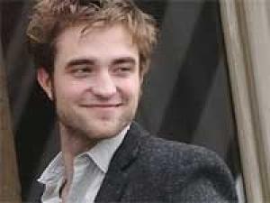 Robert Pattinson Superhero Wish 220311 Aid