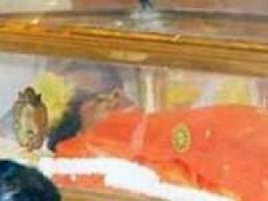 Sathya Sai Baba Death Successor 250411 Aid