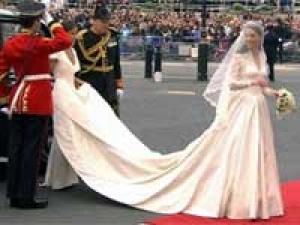 Royal Wedding Dress Kate Middleton 290411 Aid