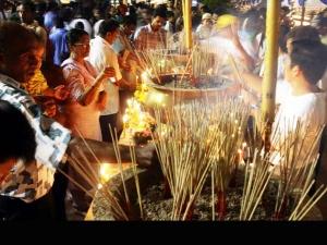 Light Incense Hindu Customs