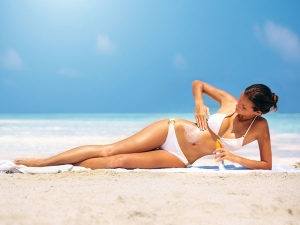Natural Tanning Oils For Healthy Tan