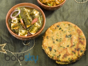 Besan Methi Ki Roti Indian Bread