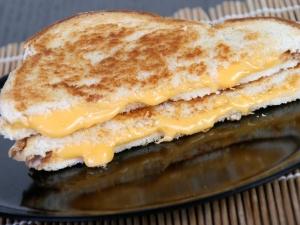 Egg Salami Sandwich For Quick Breakfast