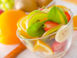 Chilled Summer Fruit Salad For Breakfast