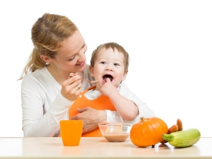 Seven Foods To Wean Baby From Breast Milk