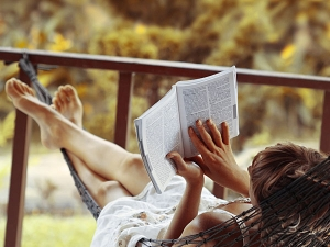 Ten Signs You Love Literature Like Crazy