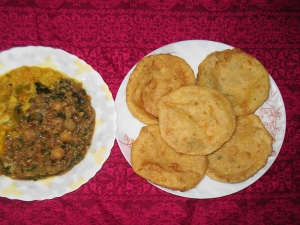 Aloo Ki Kachori Monsoon Snack Recipe