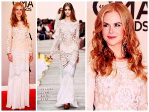 Nicole Kidman Faces Embrassing Wardrobe Malfunction At 2014 Cma Awards