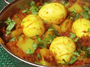 Yummy Egg And Potato Curry Recipe