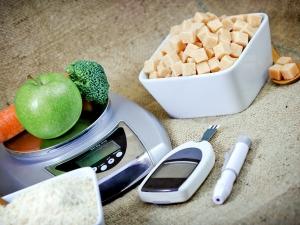 Twelve Simple Tips For Diabetics This Summer