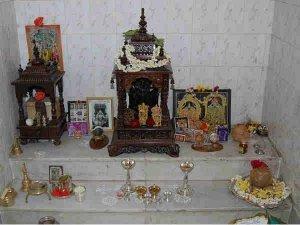 How To Keep Idols In Pooja Room