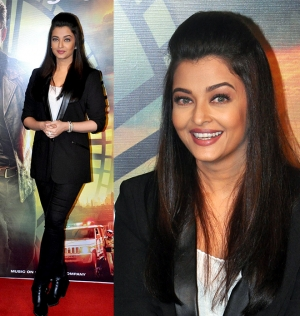 Aishwarya Rai Charcoal Look At Jazbaa Trailer Launch