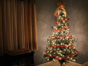 Tips To Clean Artificial Christmas Tree