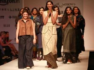 Amazon India Fashion Week 2016 Aw Pallavi Mohan Synthesis