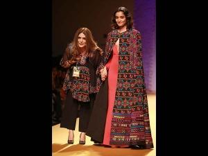 Amazon India Fashion Week 2016 Reynu Taandon Collection