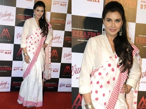 Lisa Ray In Pero Outfit Is Something You Cannot Miss