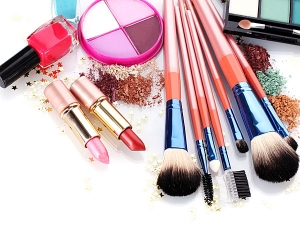 Reasons Why Your New Makeup Is Causing Irritation