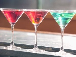 Decor Tips While Setting Up A Bar