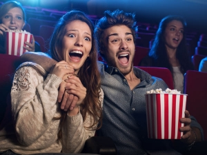 Tips To Avoid Hyper Snacking In Movies