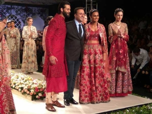India Couture Week 2016 Varun Bahl Collection Fantasy Bouquet