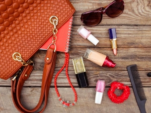 Beauty Essentials You Must Have Your Bag While Travelling