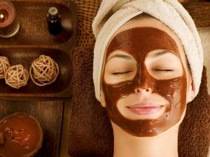 Diy Tamarind Pulp Face Mask For Instant Skin Brightening