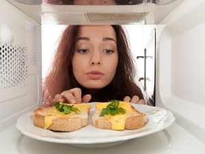 Is It Safe To Use Microwave For Heating Food