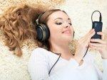 Smartphone Use Near Bedtime May Lead To Poor Sleep