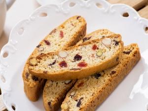 Delicious Cranberry Pistachio Biscotti