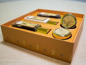 Product Of The Day Forest Essentials Perfumed Bath Ritual Gift Box Review