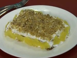 Crunchy Pineapple Cake For Christmas