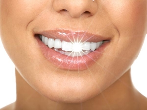 Natural Homemade Toothpaste To Fight Cavities