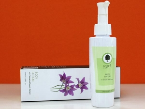 Product Of The Day Organic Harvest Body Lotion Review