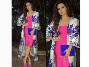 Sana Khan Spotted In Dimple Amrin Pink Dress