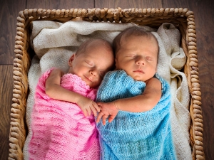 These Twin Babies Had The Worst News For Their Dad