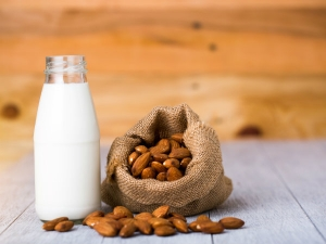 Top Benefits Of Almond Milk For Total Body Health
