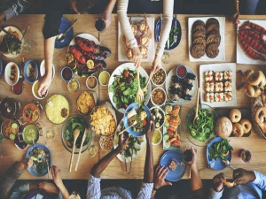 Foods You Should Always Eat Together To Maximize Their Nutritional Benefits