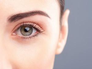 Different Ways Treat Oily Eyelids