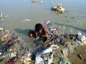 On World Environment Day See The Shocking Pics Of Humans Destroying Earth