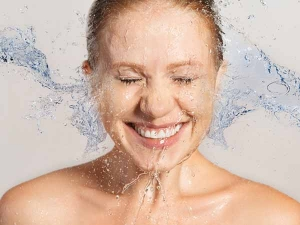 Washing Face With Baking Soda And Coconut Oil