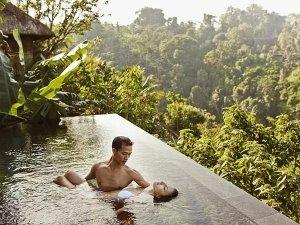 """""""Bali Boyfriend"""" Escort Reveals What Women Look For In A Man"""